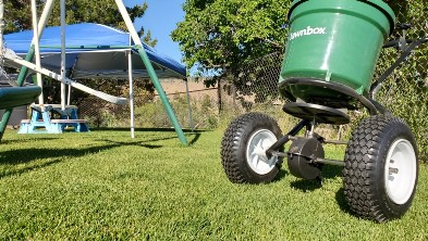 Lawn Box Commercial Spreader 2